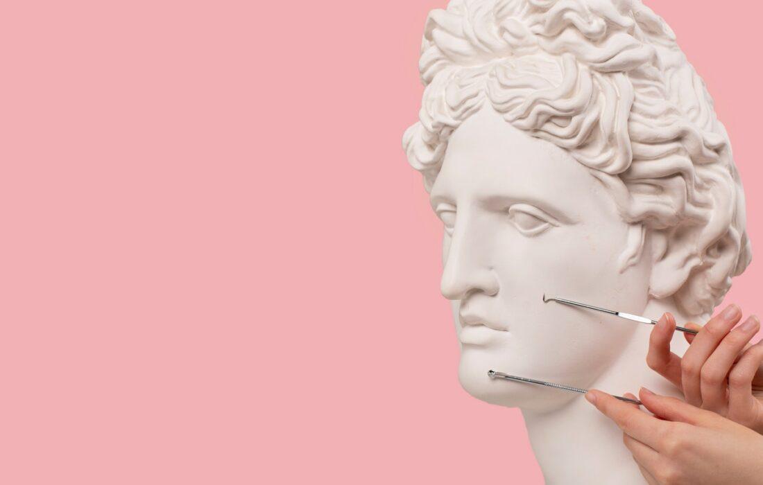 статуя и чистка для лица