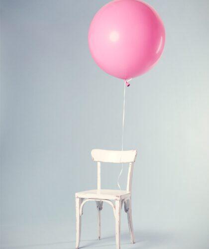 шарик на стульчике