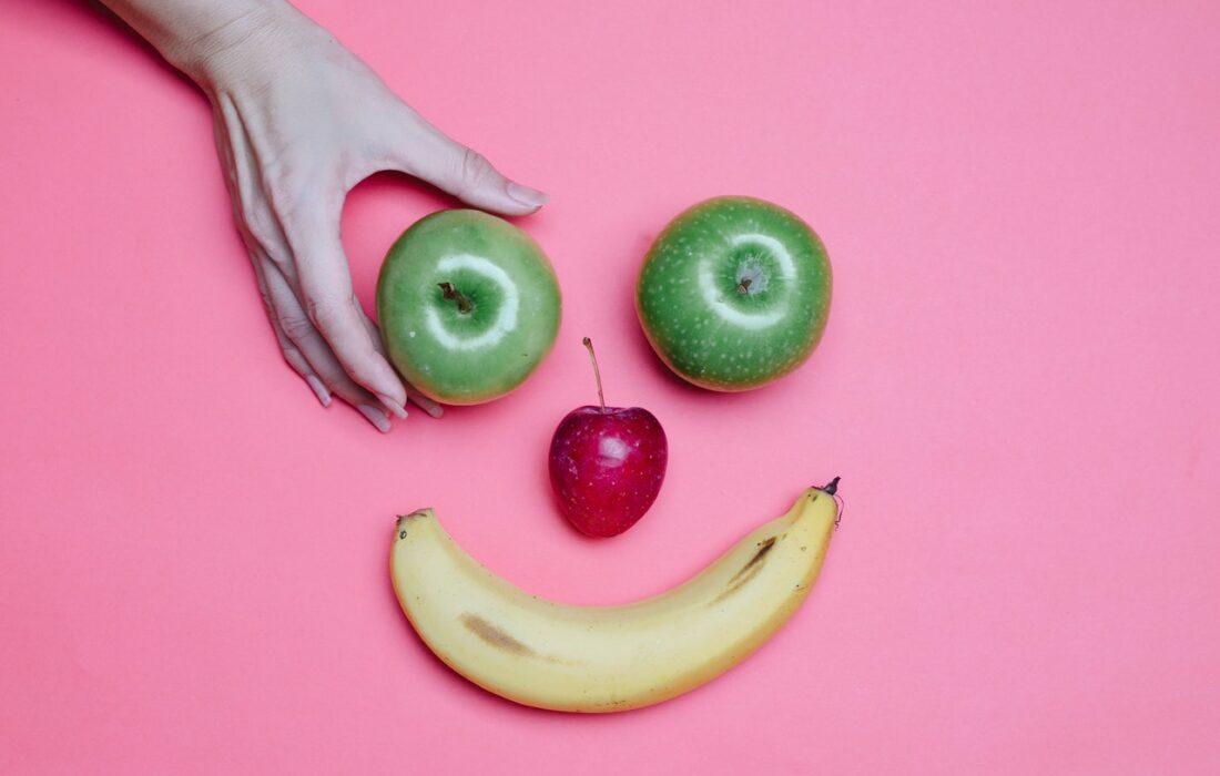 смайлик из фруктов