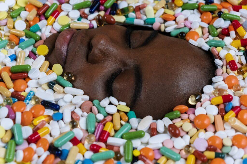 таблетки вокруг лица