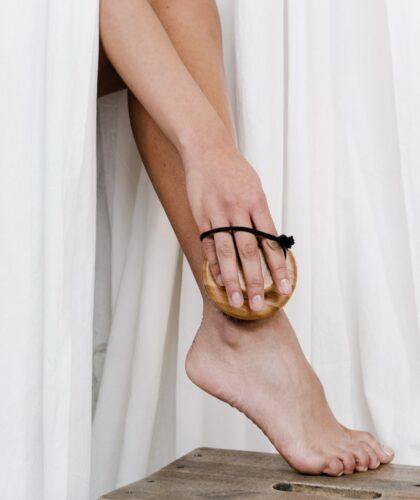 красивая женская нога