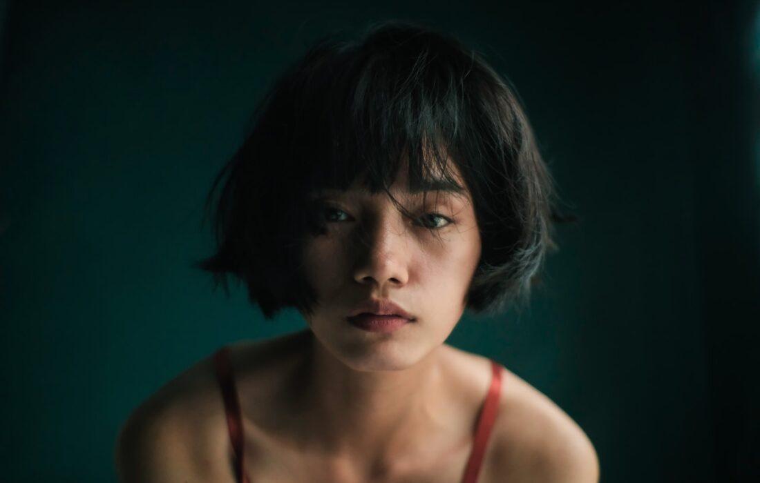 грустная девушка