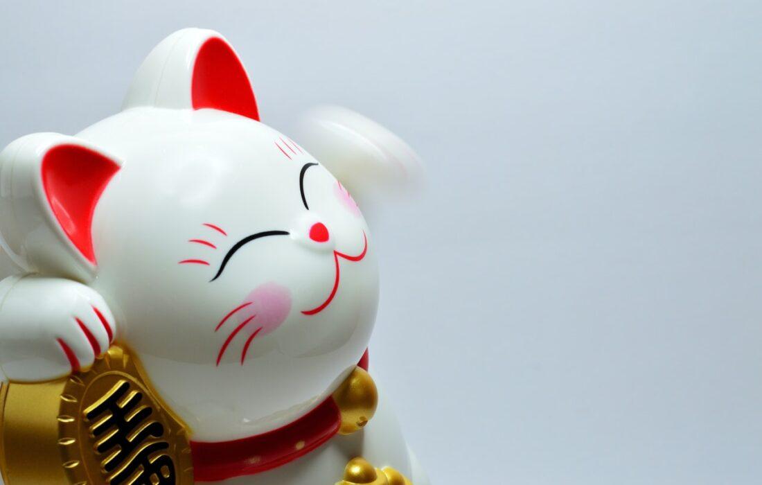 японский котик на удачу