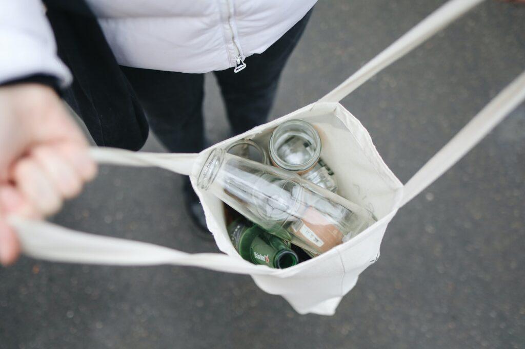 бутылки в сумочке
