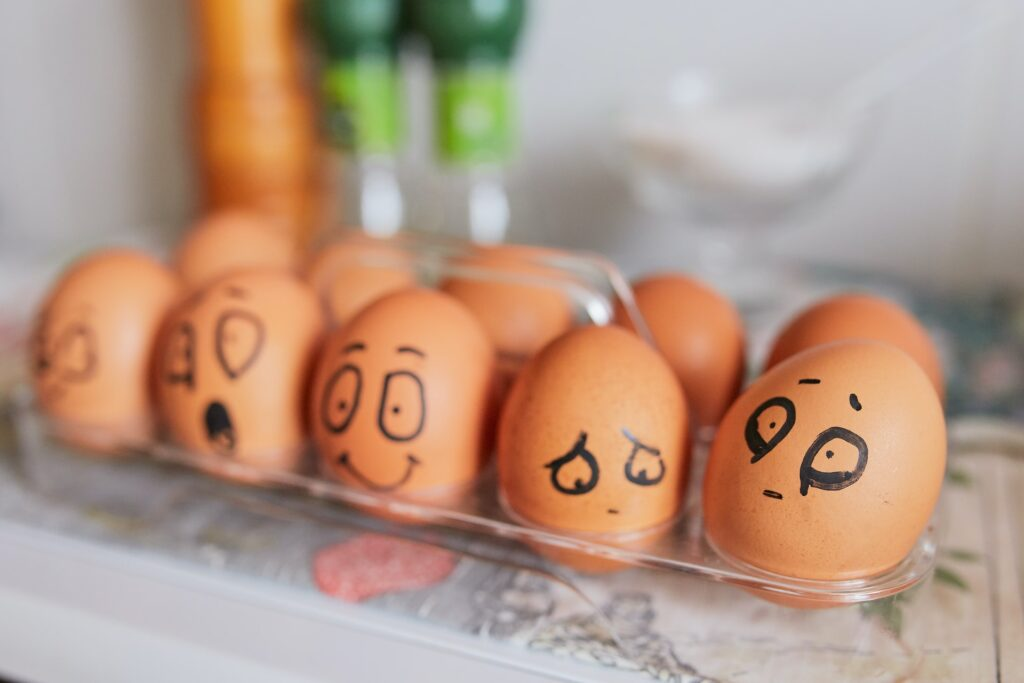 яйца с эмоциями