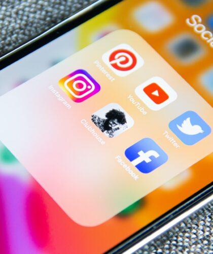 социальные сети в телефоне