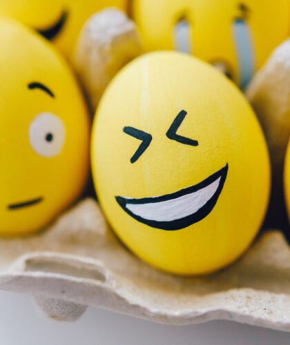 веселые яйца