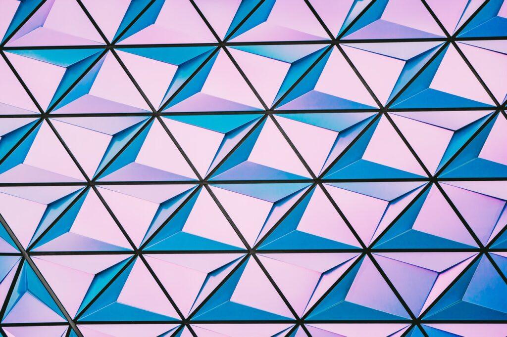 арт с треугольниками