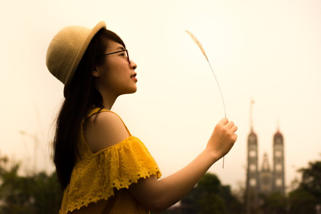 девушка с пшеницей