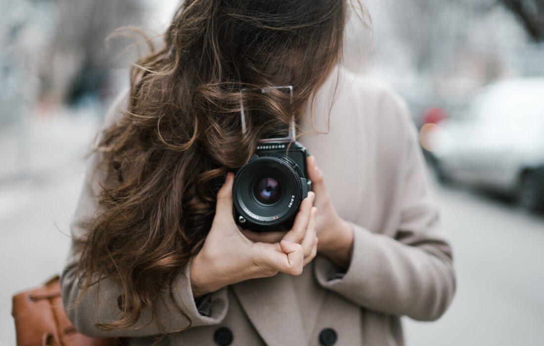 волосы и фотоаппарат