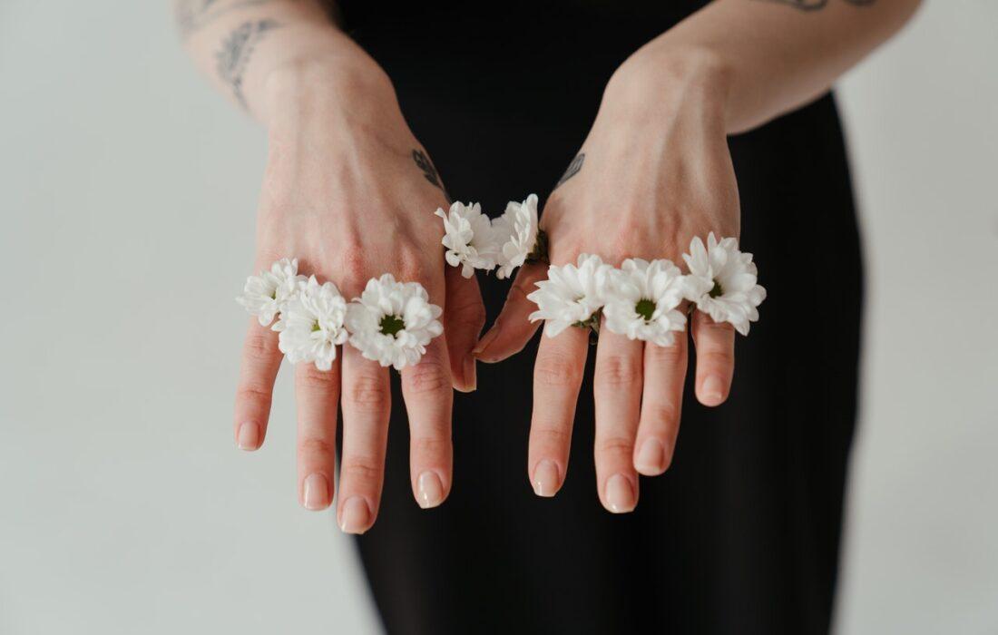 руки девушки