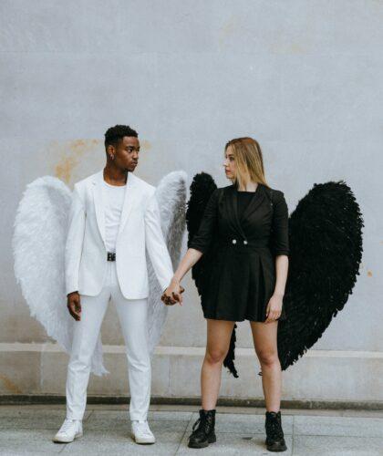 парень и девушка ангелы