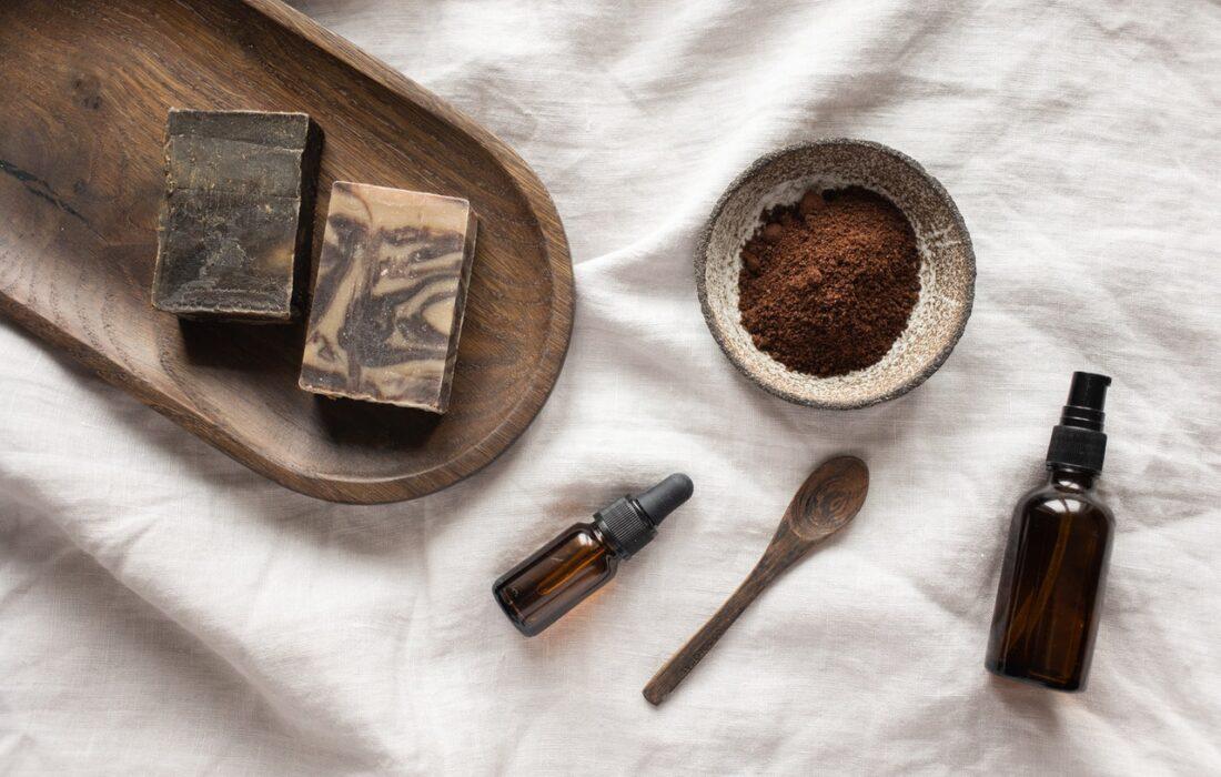 колбочки и ингредиенты