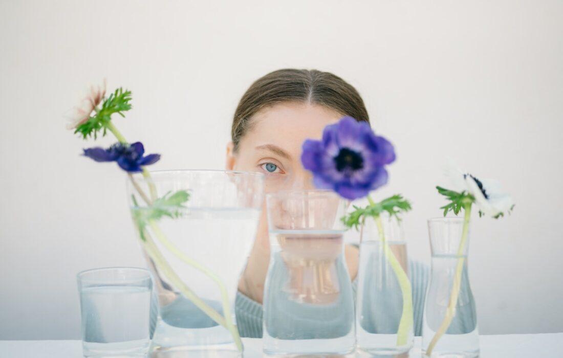 девушка с цветочками