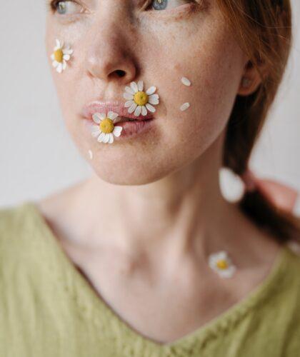 ромашки на лице