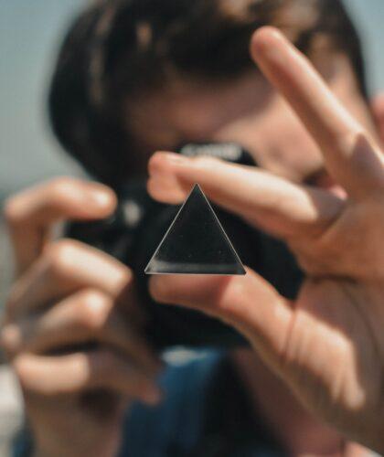треугольник в руке