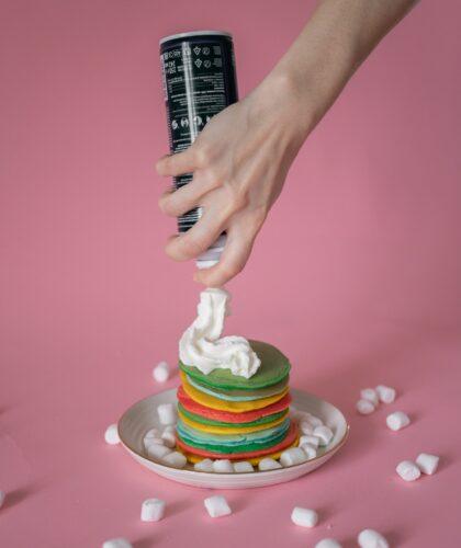 сливки на десерте