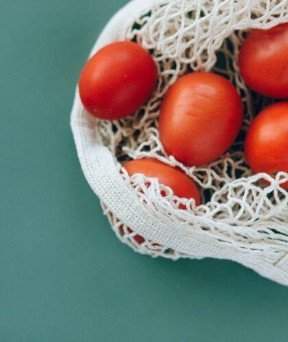 помидоры в сетке