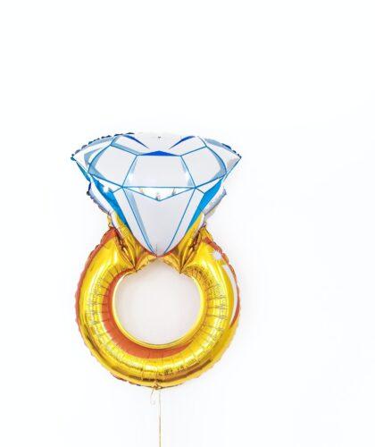 шарик в форме кольца
