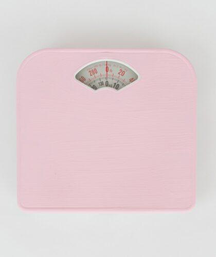 розовые весы