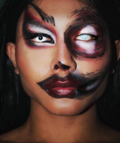 девушка с арт-макияжем